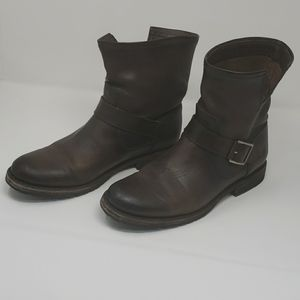 Frye Engineer Short buckle leather 9.5 boots